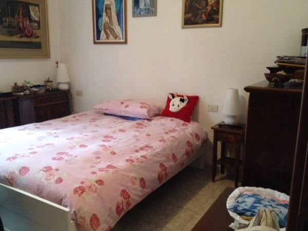 Bilocale Milano Via Conte Rosso 4