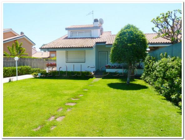 Villa in Affitto a Fiumicino Rif.6841047