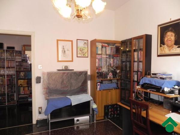 Bilocale Genova Via Aldo Manuzio 4