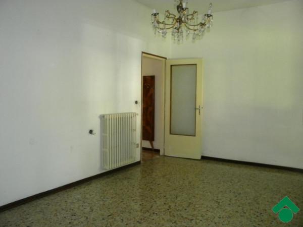 Bilocale Parma Via Enza 6