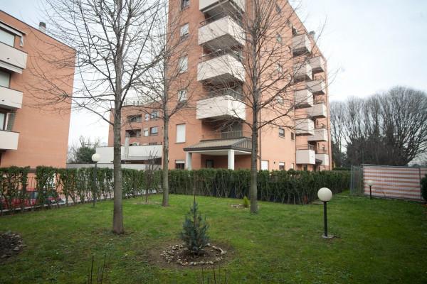 Bilocale Milano Via Stefano Ussi 1