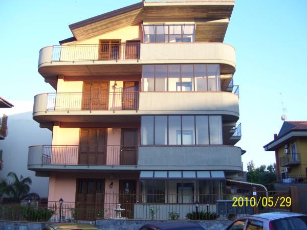 Attico in Vendita a Aci Catena: 3 locali, 90 mq