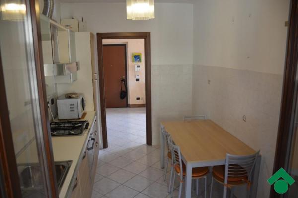 Bilocale Bernareggio Via Silvio Pellico 3
