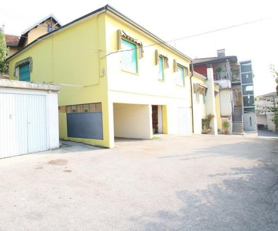 Appartamento in vendita a Arcugnano, 5 locali, prezzo € 67.500 | Cambio Casa.it