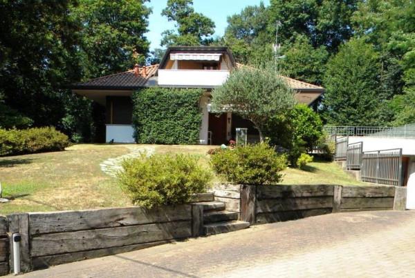 Villa in vendita a Casorate Sempione, 6 locali, prezzo € 780.000 | Cambio Casa.it