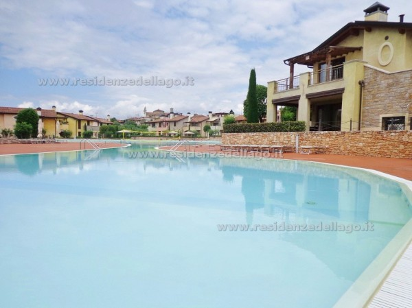 Appartamento in vendita a Manerba del Garda, 4 locali, prezzo € 330.000   Cambio Casa.it
