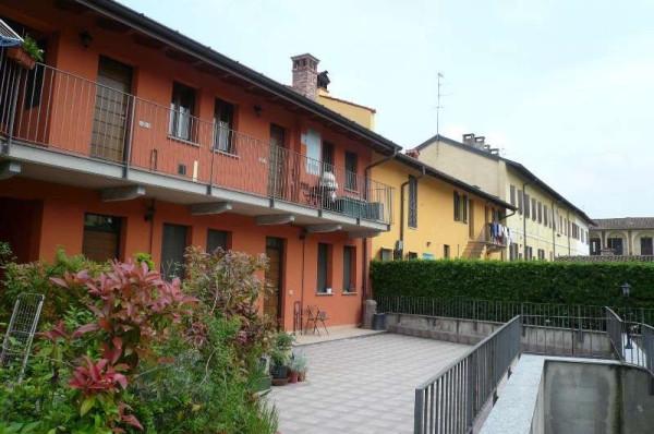 Appartamento in vendita a Robecco sul Naviglio, 2 locali, prezzo € 115.000 | Cambio Casa.it