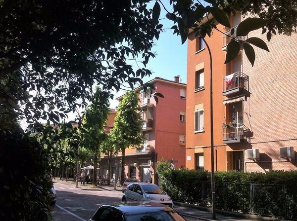 Bilocale Bologna Via Vittorio Alfieri 11