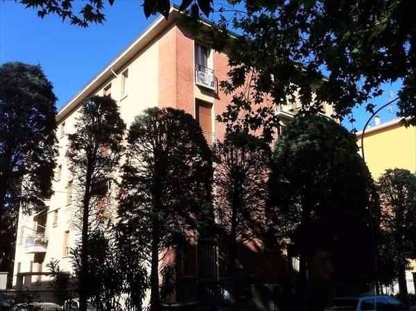 Bilocale Bologna Via Vittorio Alfieri 12