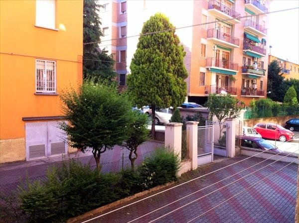Bilocale Bologna Via Vittorio Alfieri 9