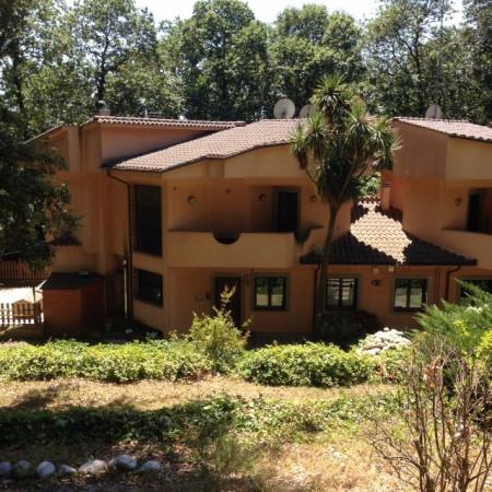 Villa in vendita a Ariccia, 5 locali, prezzo € 470.000 | Cambio Casa.it