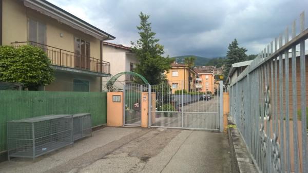 Appartamento in vendita a Luino, 3 locali, prezzo € 150.000 | Cambio Casa.it