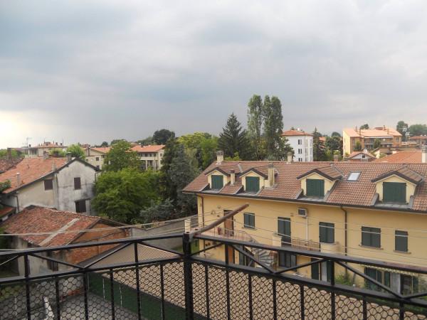 Bilocale Pessano con Bornago Via Montello 9