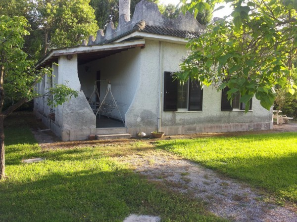 Villa in vendita a Latina, 3 locali, prezzo € 90.000 | Cambio Casa.it
