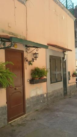 Bilocale Napoli Vico Vasto A Chiaia 1