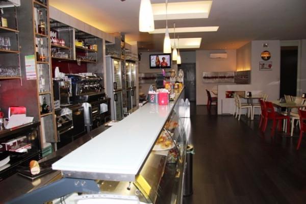 Negozio / Locale in vendita a Foligno, 3 locali, prezzo € 220.000 | Cambio Casa.it