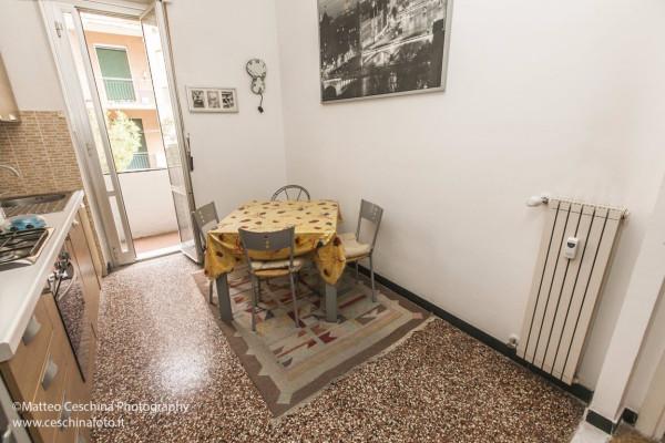 Bilocale Genova Via Posalunga 3