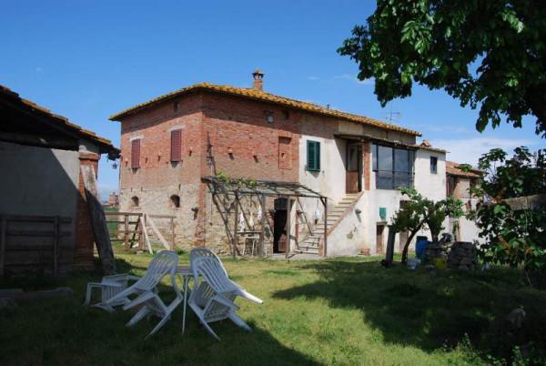 Rustico in Vendita a Castiglione Del Lago: 5 locali, 300 mq