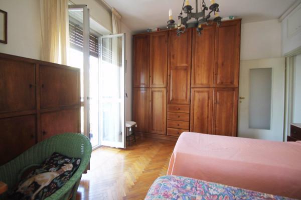 Bilocale Milano Via Dei Tulipani 11
