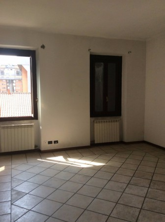 Bilocale Legnano Via Mauro Venegoni 5