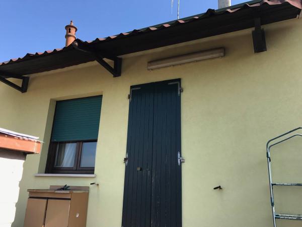 Villa in Vendita a Ravenna Periferia Est: 4 locali, 137 mq