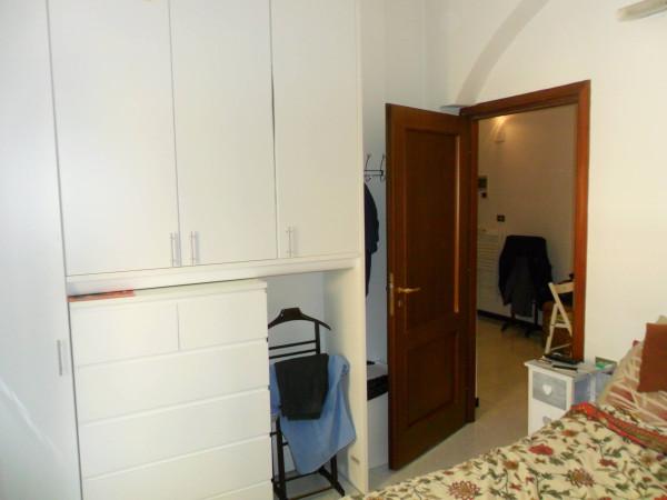Bilocale Genova Via Pescetto 5