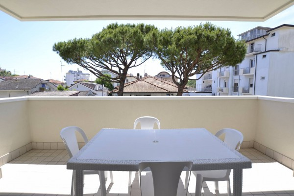Appartamento in Affitto a Riccione: 3 locali, 70 mq
