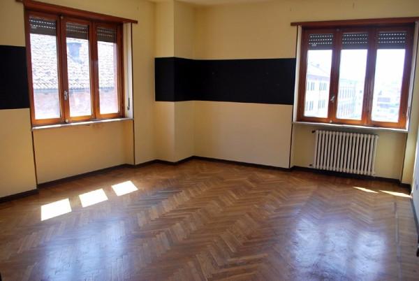 Appartamento in affitto a Alba, 4 locali, prezzo € 450 | Cambio Casa.it