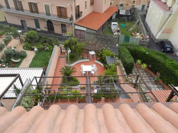 Villa a Schiera in Vendita a Vico Equense