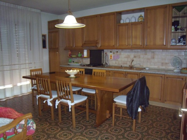 Appartamento in vendita a Agliana, 4 locali, prezzo € 239.000 | Cambio Casa.it