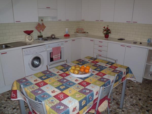 Villa in vendita a Agliana, 6 locali, prezzo € 250.000 | Cambio Casa.it