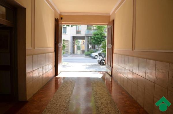 Bilocale Milano Via Marcantonio Colonna 3