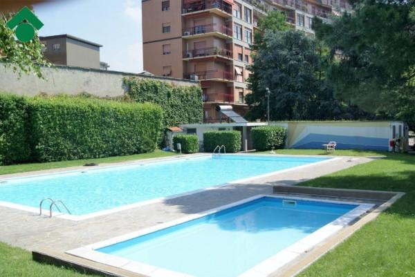 Bilocale Milano Via Bari 1