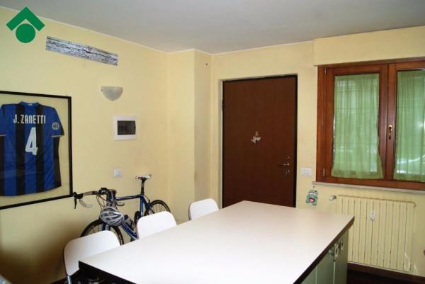 Bilocale Milano Via Bari 6