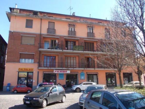 Albergo in vendita a Chivasso, 6 locali, prezzo € 260.000 | Cambio Casa.it