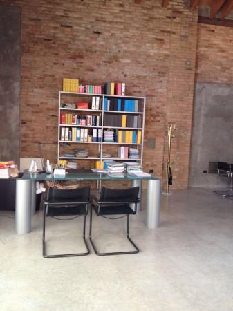 Loft open space in Vendita a Reggio Emilia: 2 locali, 350 mq
