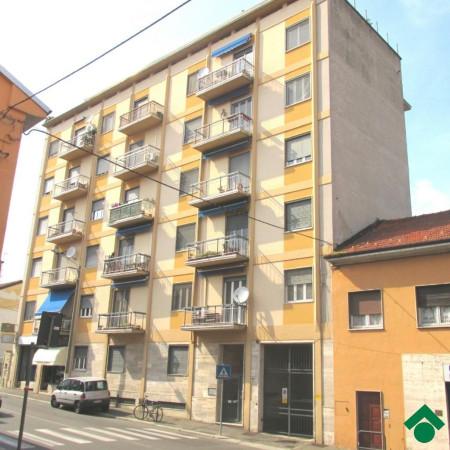 Bilocale Pavia Via San Pietro In Verzolo 2