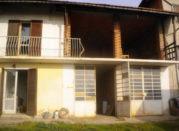 Rustico in Vendita a Piossasco Centro: 3 locali, 100 mq