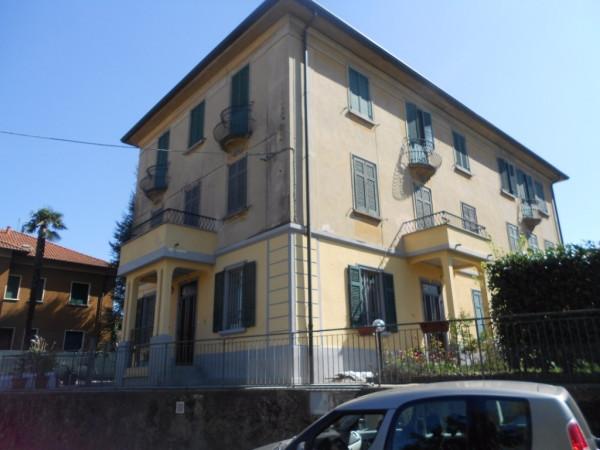 Appartamento in vendita a Valmorea, 6 locali, prezzo € 120.000   Cambio Casa.it