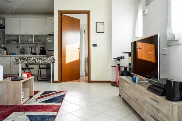 Bilocale Bologna Via Roncaglio 4