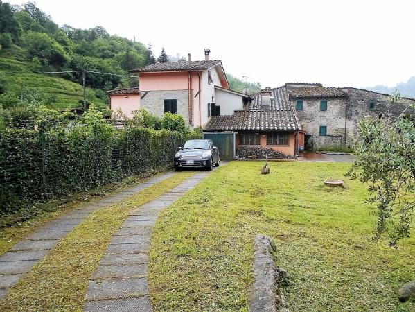 Rustico / Casale in vendita a Pescia, 6 locali, prezzo € 295.000 | Cambio Casa.it