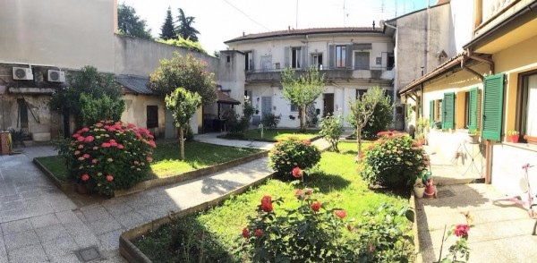 Bilocale Cesano Boscone Via Dante Alighieri 8