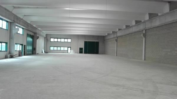 Capannone in affitto a Somma Lombardo, 1 locali, Trattative riservate | Cambio Casa.it