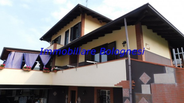 Villa in vendita a Somma Lombardo, 3 locali, prezzo € 349.000 | Cambio Casa.it
