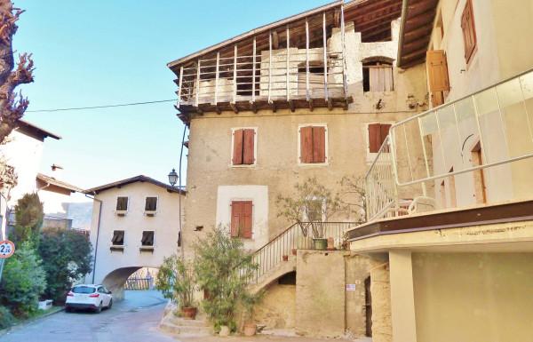 Soluzione Indipendente in vendita a Dro, 6 locali, prezzo € 150.000 | Cambio Casa.it