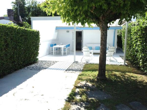 Bilocale Pietrasanta Via Giuseppe Parini 12