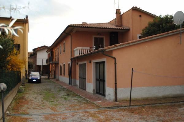 Villa in Vendita a Chiusi: 3 locali, 310 mq