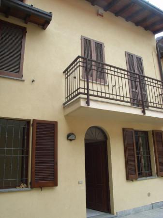 Soluzione Indipendente in vendita a Castello di Brianza, 4 locali, prezzo € 135.000 | Cambio Casa.it