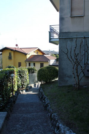 Bilocale Como Via Valorsa Cipriano 8
