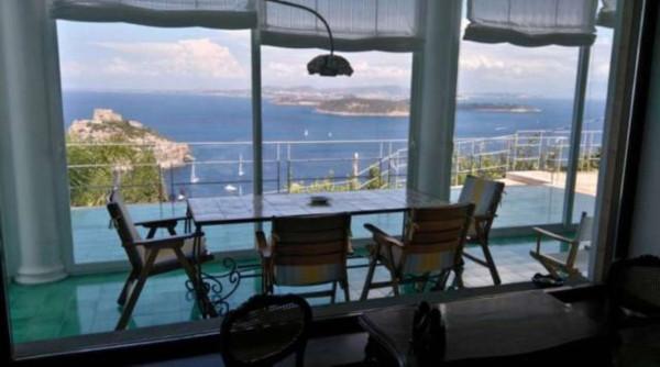 Villa in vendita a Ischia, 4 locali, Trattative riservate | Cambio Casa.it